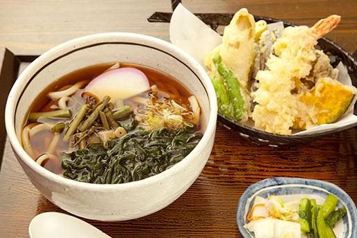 画像:天ぷらそば・うどん